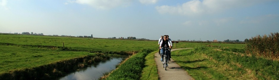Cycling in Friesland, the Netherlands: water sports paradise